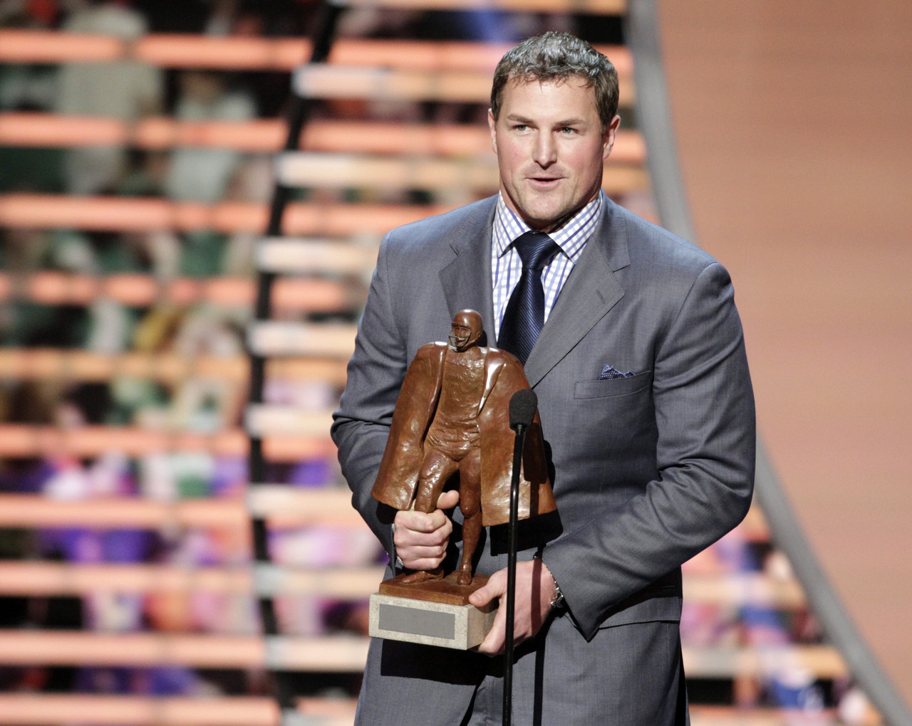 Jason-Witten-Wins-NFL-Man-Of-The-Year-Award-2